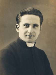 Jean Kerlévéo en jeune prêtre
